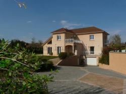 Maison - Villa 6+ pièces Morestel