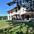 Maison - Villa Bourg-en-Bresse 01000 de 5 pieces - 300.000 €